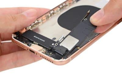 замена динамика айфон 8